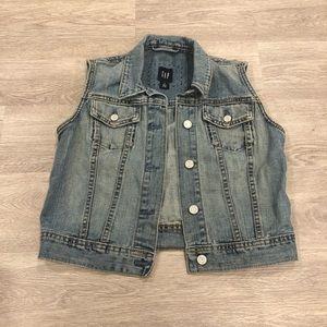 💥 3/$25 Gap Sleeveless Denim Vest Size S/M